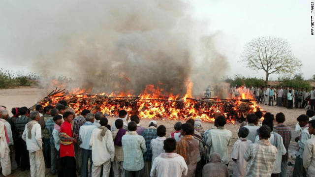 India's burning issue with emissions from Hindu funeral pyres ...