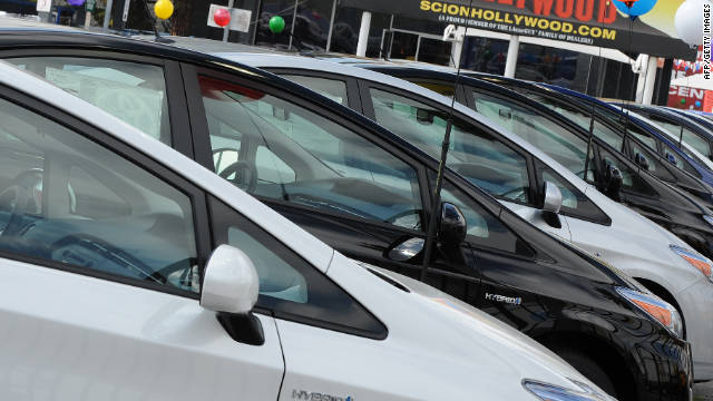 Lisa Margonelli suggests the government lend middle-class families money at low interest to buy cars that get more than 35 mpg.