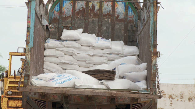 Aid to Pakistan flood victims blocked