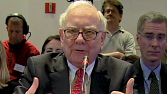 Buffett to Congress: 'Raise my taxes'