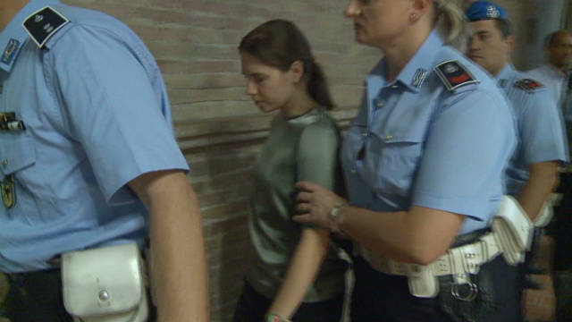 Italians split on Amanda Knox conviction