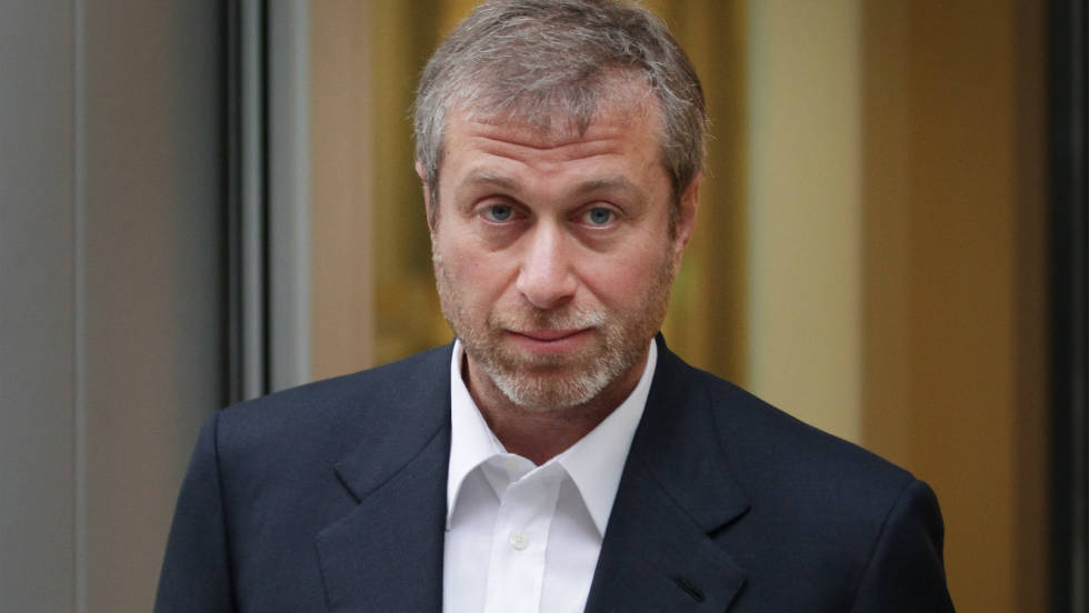 Chelsea owner Roman Abramovich leaves London's High Court on October 4, 2011. He is being sued by fellow Russian oligarch Boris Berezovsky for an alleged breach of contract over business deals.
