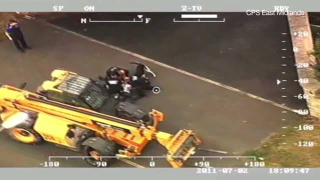mann uk police chase digger_00005822