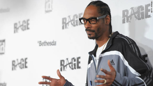 "Snoop Dogg arrives to the launch party for video game ""RAGE"" in Los Angeles on September 30, 2011."