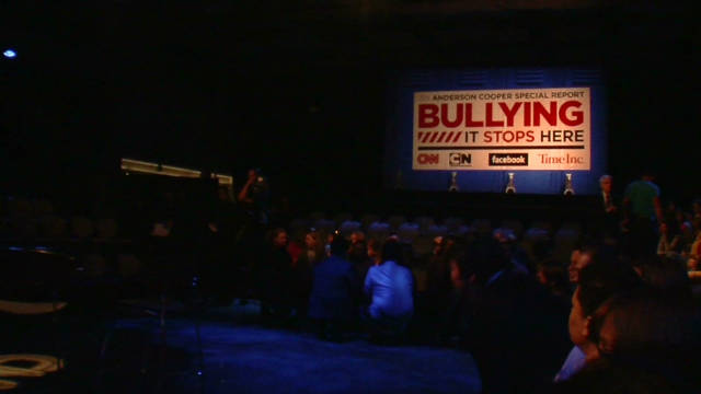 ac.bullying.town.hall.behind.scenes_00011113
