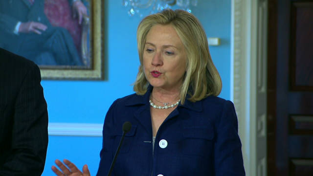 Clinton too close to pipeline fight?