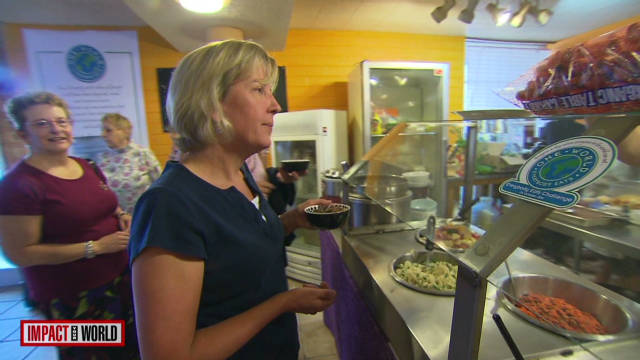 Cafe forgoes prices to fight hunger