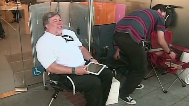 Apple co-founder sits in line for iPhone