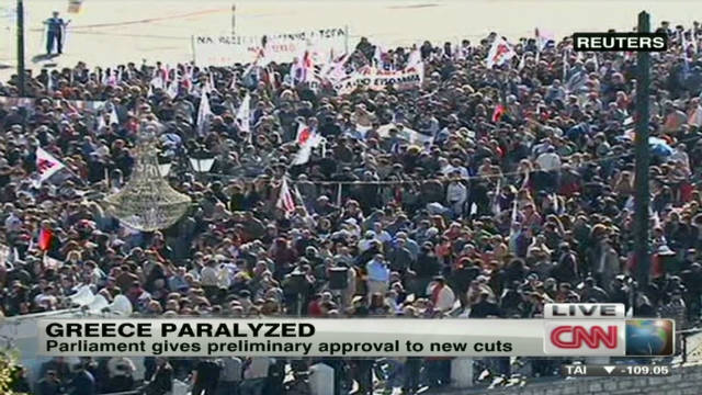 Protesters paralyze Greece