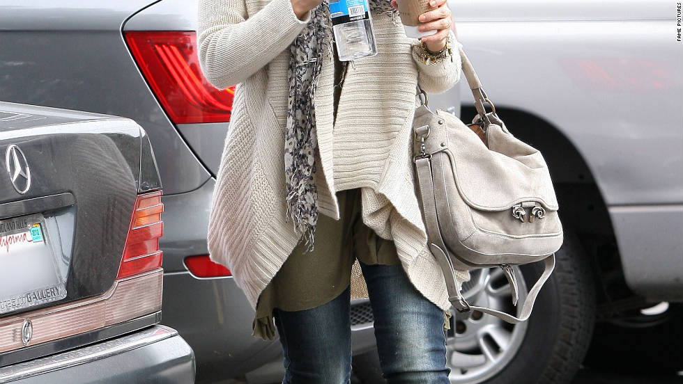 Jessica Alba has lunch in Brentwood.