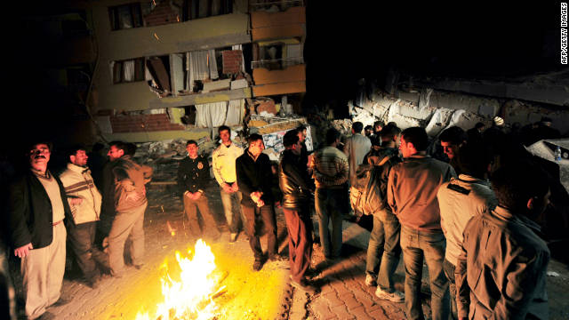 Turkish quake survivors confront cold