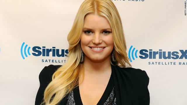 """People always say that pregnant women have a glow,"" Jessica Simpson says."
