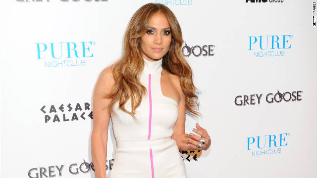 Jennifer Lopez, who recently split from her husband, got a bit emotional on stage during a performance.