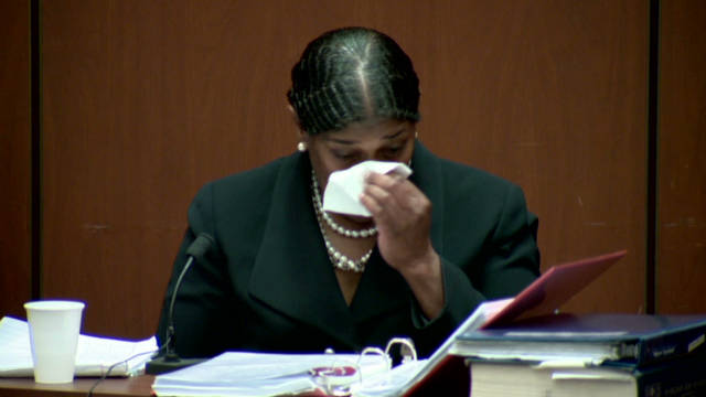 Jackson's nurse cries on stand