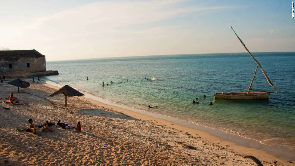 With 2,500 km of coastline along the warm Indian Ocean, Mozambique has a number of beautiful beaches. <br />