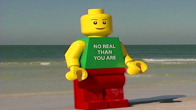 bts giant lego man_00001908