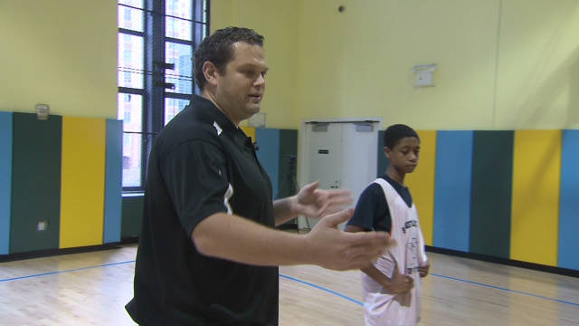romans.sitnr.basketball.coach_00012616