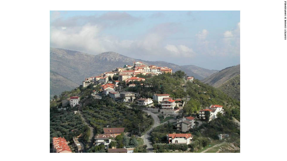 The village, with a population of about 700, is situated on a mountain top in the middle of the Aurunci Mountains.