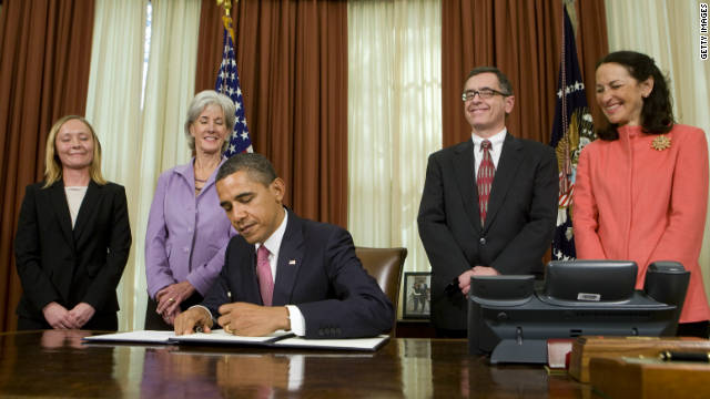 President Obama signs an executive order Monday directing the FDA to prevent prescription drug shortages.