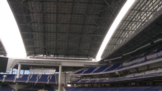 cm ts marlins stadium retractable roof_00003530