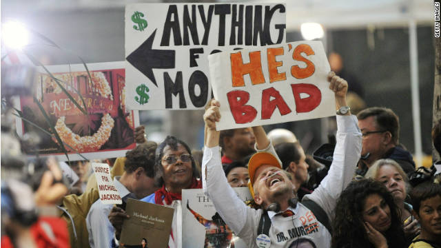 Crowd reaction outside the court for the Dr Conrad Murray trial verdict on November 7, 2011 in Los Angeles, California