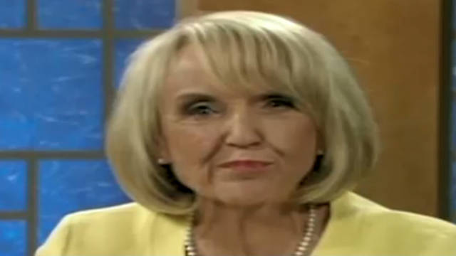 Gov. Brewer stumbles at debate