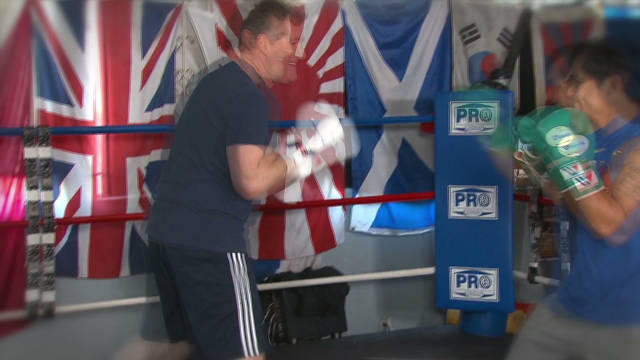 Piers Morgan gets in ring with Pacquiao