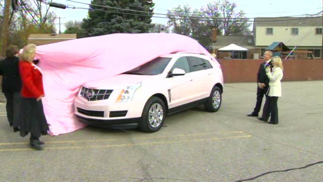 dnt wdiv mary kay man pink caddy_00000827