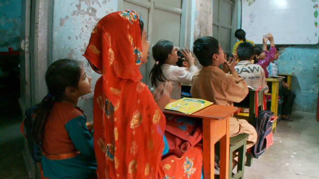 sayah pakistan sex workers kids school_00002116