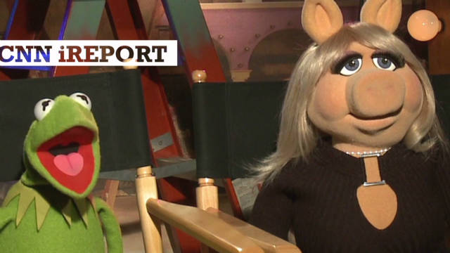 Miss Piggy: I'm happy with Kermit