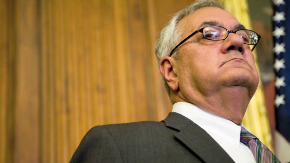 ARRA News Service                   In       Bullwork founder Chris Cheney interviews U S  Rep  Barney Frank in  Franklin  Mass   MetroWest Daily News photo