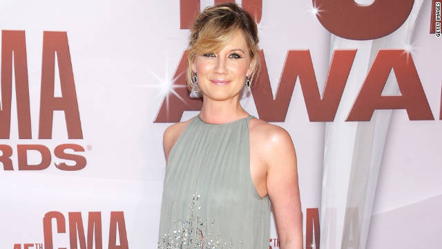 Sugarland's Jennifer Nettles, who married entrepreneur Justin Miller, is performing Wednesday with Lady Gaga.