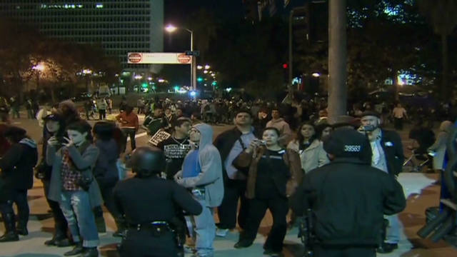 Occupy protesters defy deadline to leave