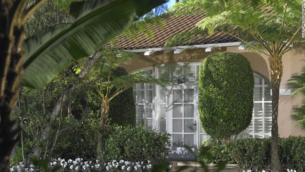 The bungalows are nestled behind the Beverly Hills Hotel on 12 lushly landscaped acres. There were originally 21 bungalows.
