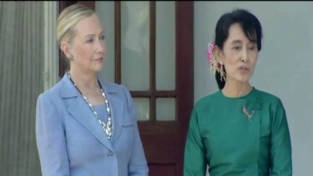 Clinton visits global icon in Myanmar