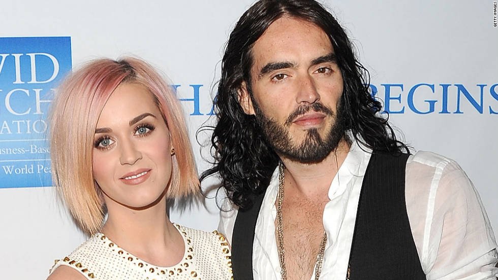 Katy Perry debuts a cropped light pink and blond 'do at a benefit Saturday, December 3, in Los Angeles. The naturally blond singer, who welcomed 2011 as a brunette, has experimented with different hues this year.