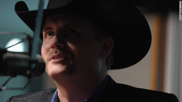 Country singer John  Rich was taken off a Southwest Airlines flight, the airline reported.