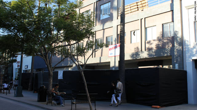 This empty storefront on Santa Monica's Third Street Promenade will become an Apple store next year, sources say.