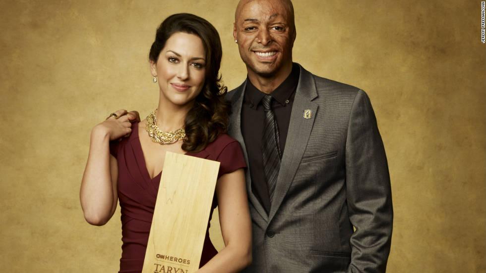 "CNN Hero Taryn Davis and former soldier and ""Dancing with the Stars"" winner J.R. Martinez."
