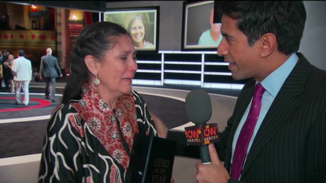 Gupta backstage  at 'Heroes'
