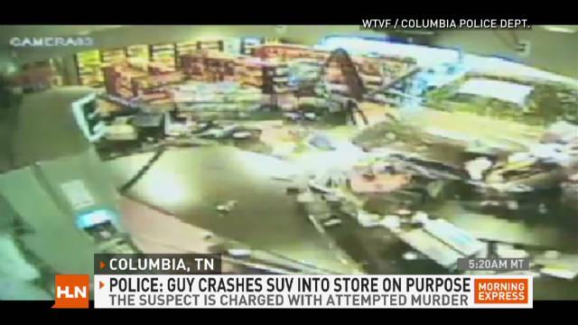 exp mxp.truck.crashes.through.store_00001713