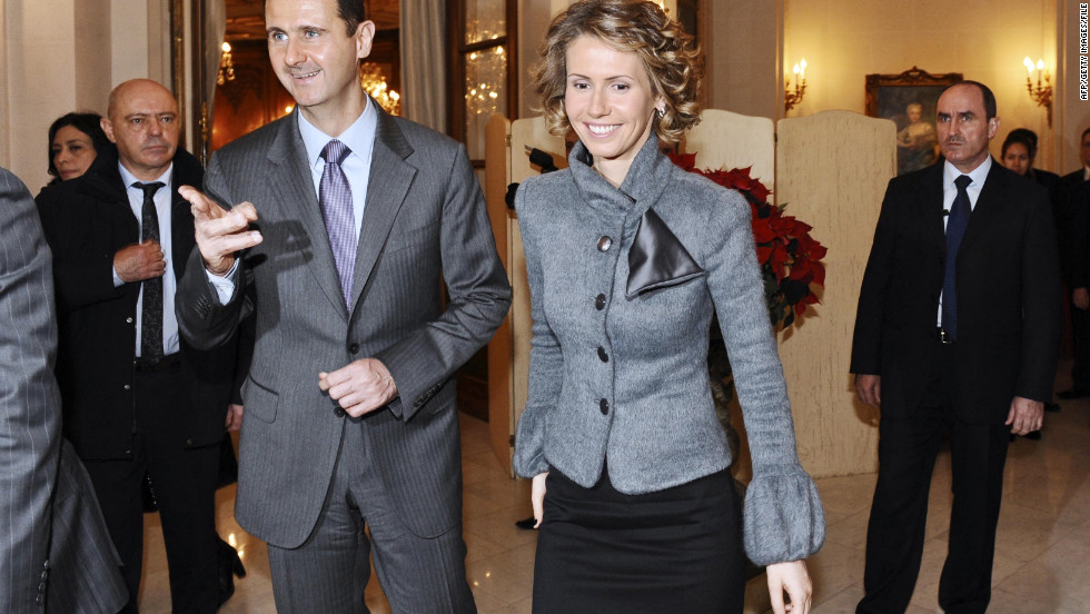 Bashar al-Assad and Asma al-Assad visit the December 2010 Monet exhibit in Paris.