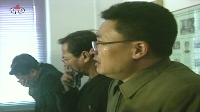 North Koreans cry for dead leader