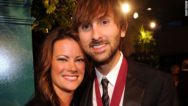 Dave Haywood and Kelli Cashiola are engaged..