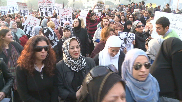 pkg jamjoom egypt women protest_00002103