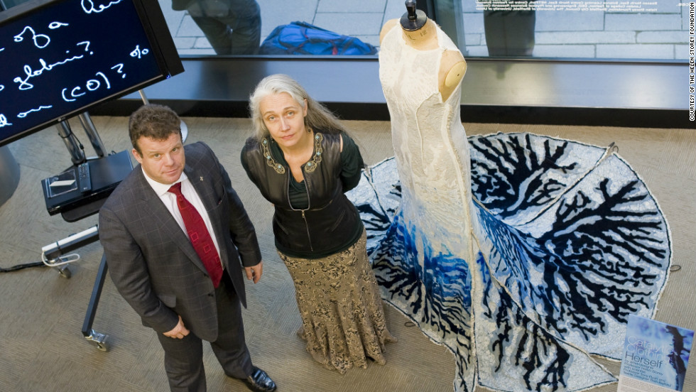 Polymer chemist Tony Ryan and fashion designer Helen Storey have joined forces to create clothing which can purify the air.