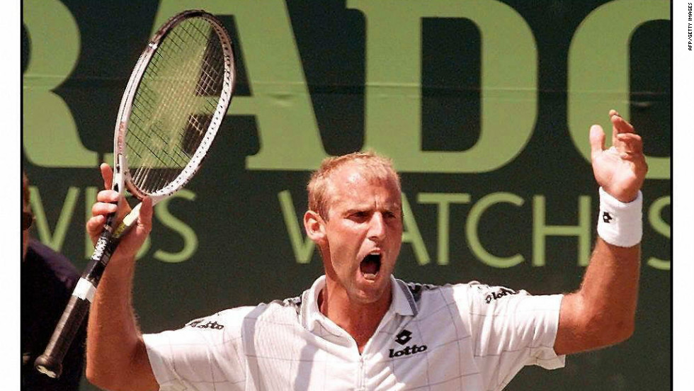 In 1997 Muster returned to Key Biscayne in Florida, the scene of his accident, and beat two-time French Open champion Sergi Bruguera of Spain in the final.