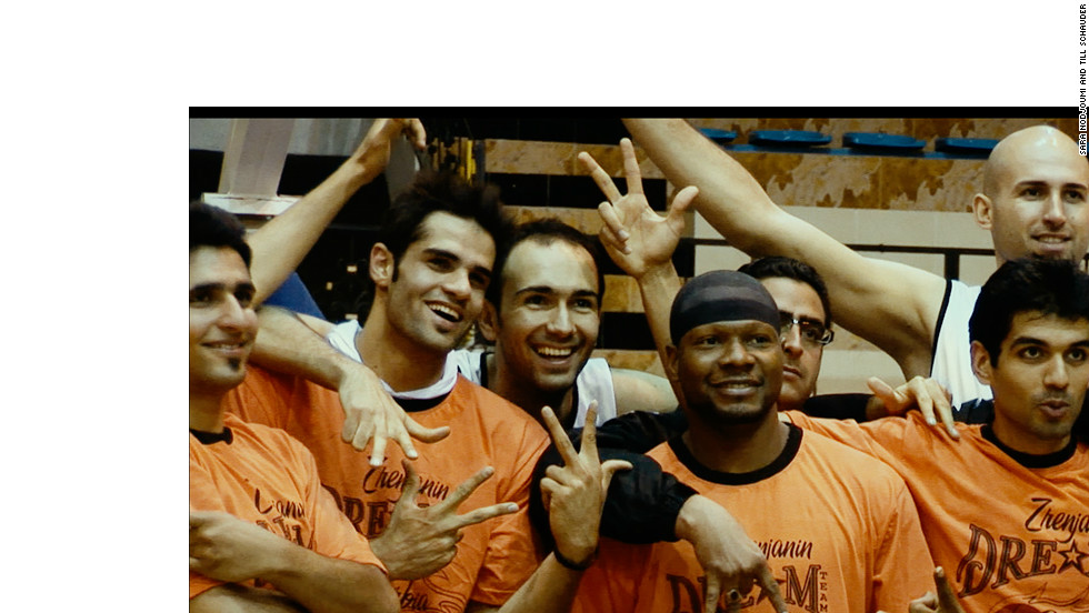 American basketball player Kevin Sheppard (center) pictured alongside his Shiraz teammates. He joined the Iranian side in 2008, but has now retired.