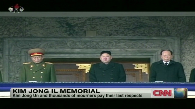 Thousands pay respects to Kim Jong Il