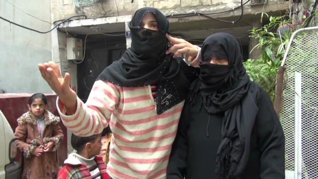 pkg.syria.homs.civilian.shortages_00012621
